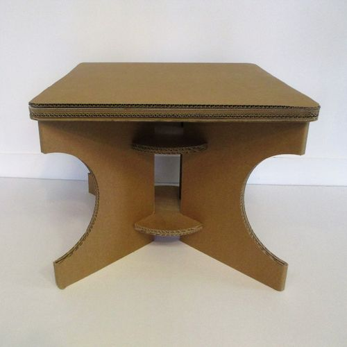 tables en carton. Black Bedroom Furniture Sets. Home Design Ideas