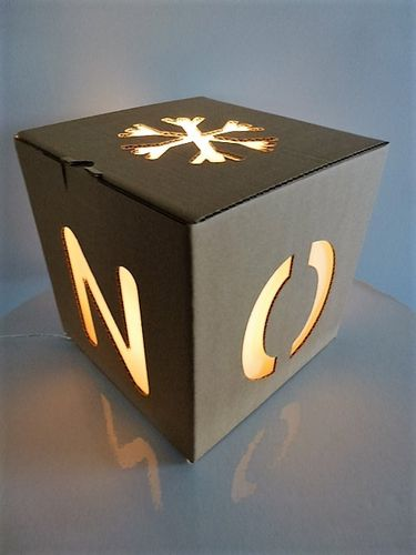 Cube de Noël Small en carton kraft à illuminer